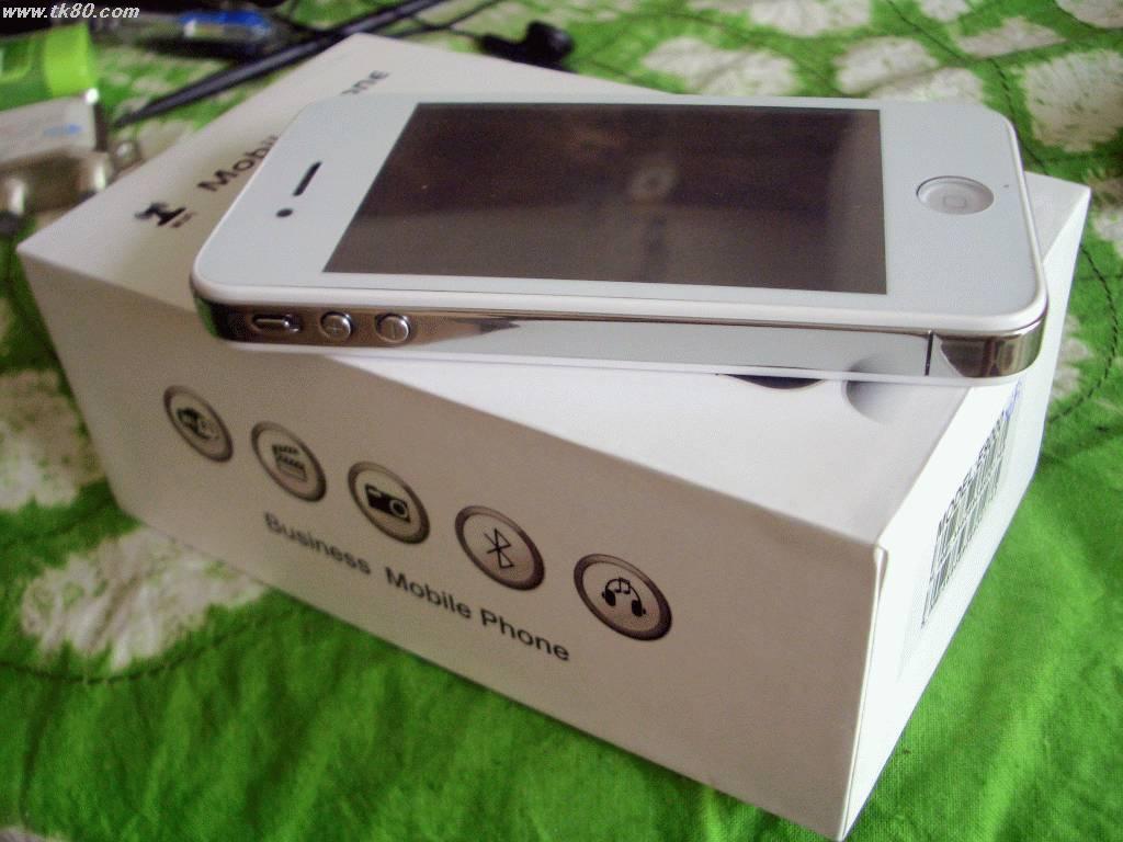 これがiphone4の白バージョンです